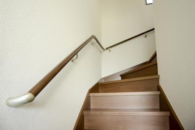 2階へ上がる階段の写真