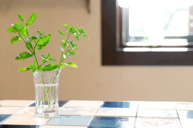 タイル素材のキッチンのイメージ